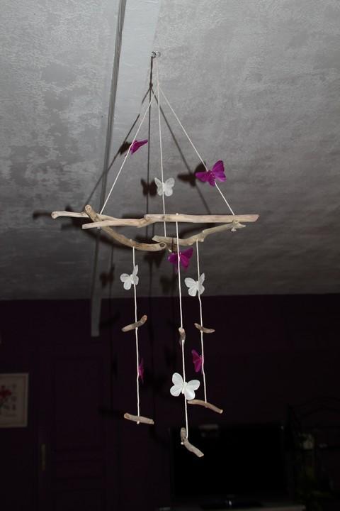 Mobile papillons et bois flott - Mobile en bois flotte ...